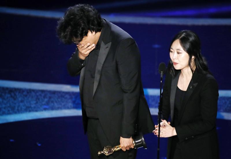 """Oscar-Sensation! Neben dem Hauptpreis für den besten Film holte """"Parasite"""" von Regisseur Bong Joon-ho den Oscar für die beste Regie."""