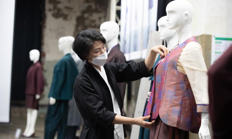 20210603_Working in Hanbok_3